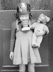 Judy_Swain,_in_gas_mask1_s